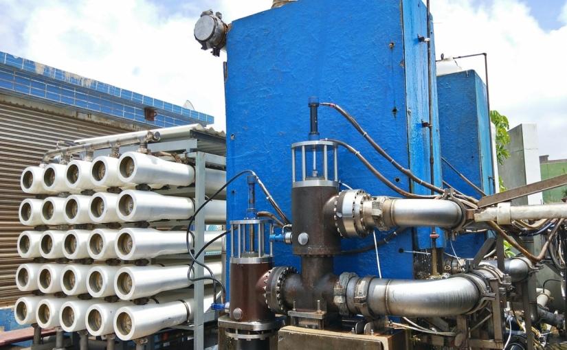 增設海水淡化廠及中水回收系統